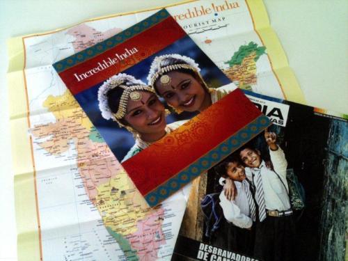 Mapas, revistas e encartes