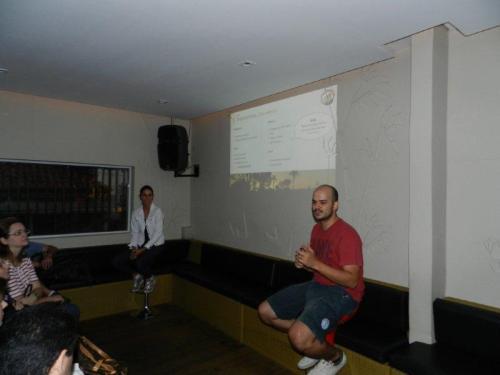 Marcos e Cláudia detalhando o planejamento sob o olhar atento da platéia
