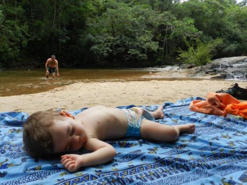 Da mochila para uma toalha no chão e bons sonhos