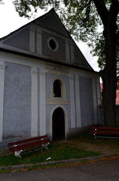 Igreja sem torres ou sinos