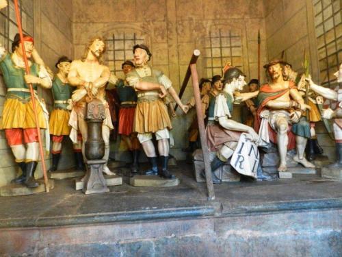 Flagelação e coroação de espinhos. Nesta capela o soldado romano tomou um tiro