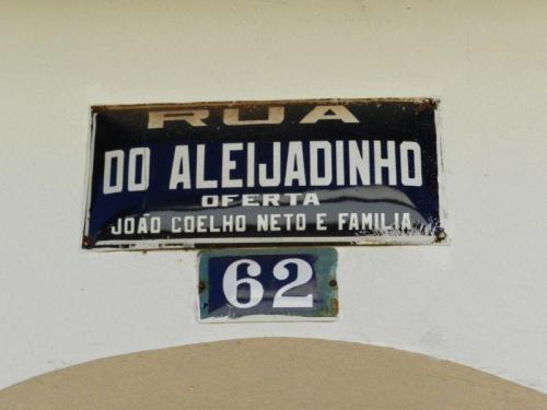 Não poderia faltar uma rua com o nome dele