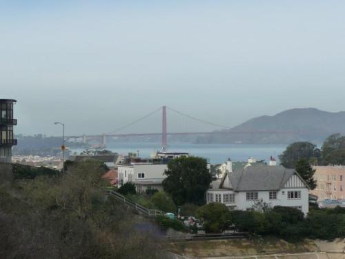 Golden Gate fazendo photobomb em Russian Hills