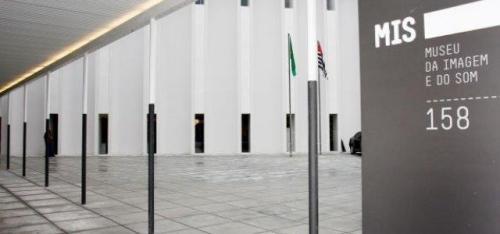 Cursos, workshops e oficinas: um museu para todos