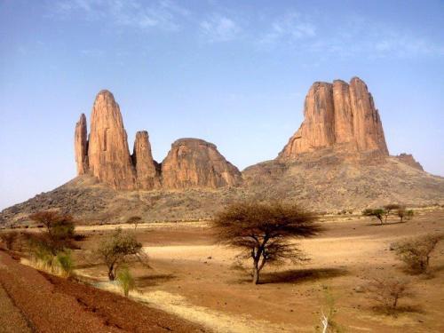 Que visual e é possível escalar as momtanhas Hombori