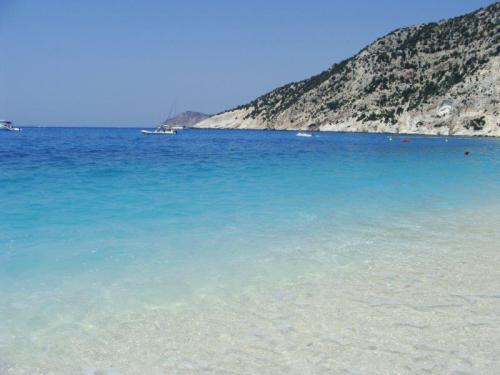 Myrtos beach um azul para guardar na memória para sempre