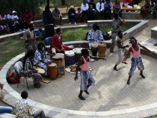 Apresentação de Dança numa praça