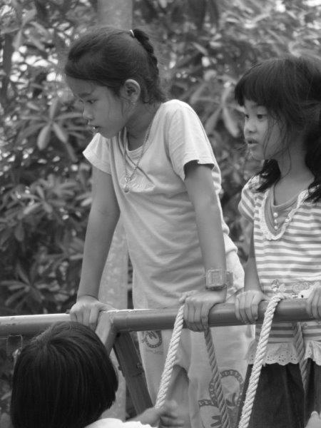 Crianças no parque33