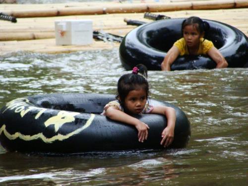 Crianças no rio12