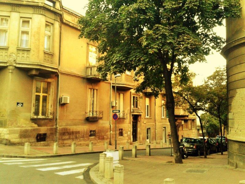 41e00e9d1b Edifício decrépito de Belgrado