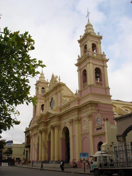 Catedral rosa por fora