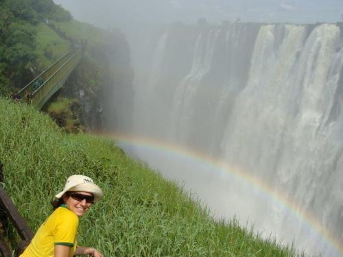 É tanta água que os arco íris se formam a todos instantes