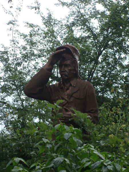Dr. Livingstone procurando de onde vem o ruído