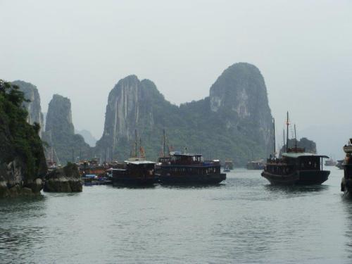 Congestionamento de barcos. Todos querendo apreciar esta rara beleza