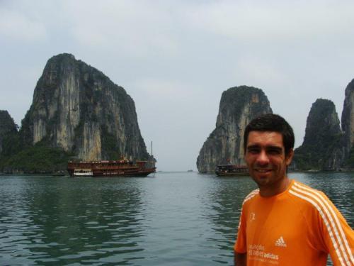 """Foto clássica com os """"icebergs"""" ao fundo"""