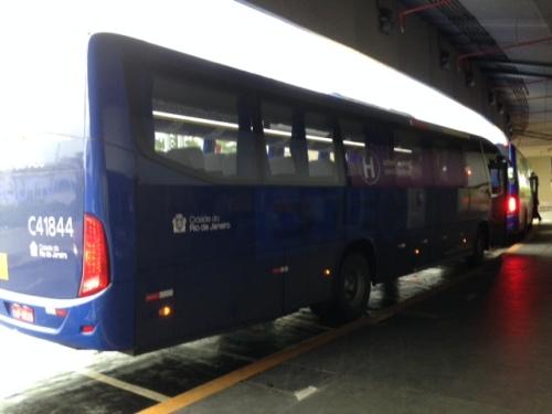Ônibus aguardando horário de saída