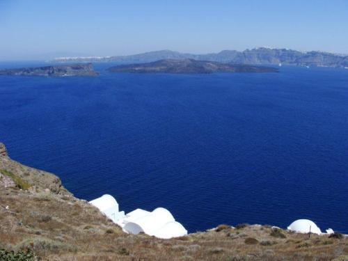 Combinação perfeita:o azul da água da caldeira e o branco das casinhas