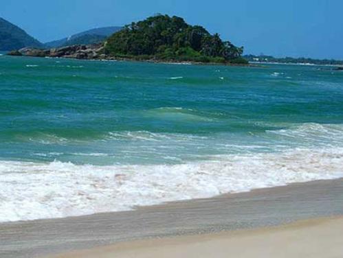 Trilha e praia a combinação perfeita na praia de São Pedro
