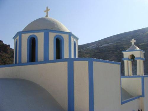 Mais igrejas em azul e branco