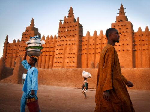Roupas típicas do Mali (foto do site da National Geographic)