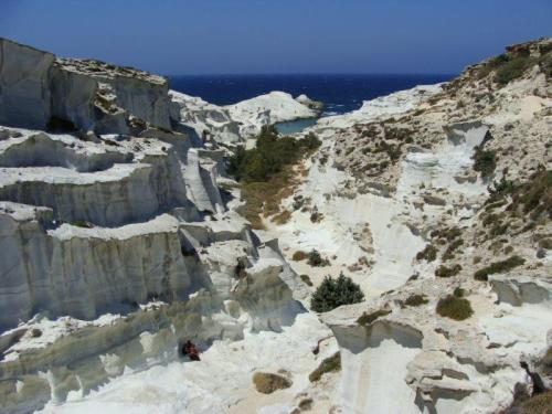 Um mar de rochas brancas
