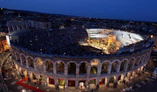 Arena de Verona lotada para um concerto
