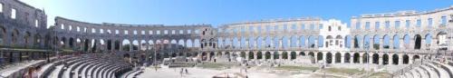 Uma panorâmica da Arena de Pula