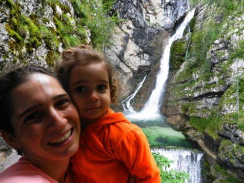 Mais água, mais verde na cachoeira Savica