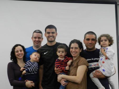 Tradicional foto da família Quatro Cantos do Mundo como nosso convidado