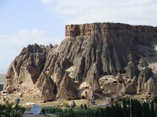 Agulhas voltadas para o céu: Monastério de Selime