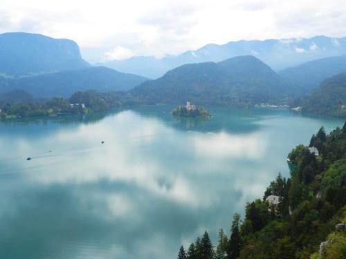 Vista do lago Bled de cima do castelo