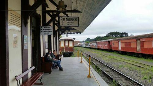A espera do trem para o passeio