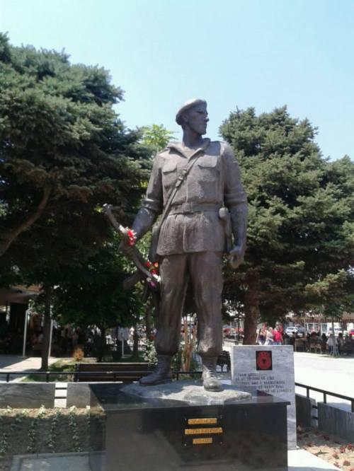 Estátua em homenagem aos soldados americanos
