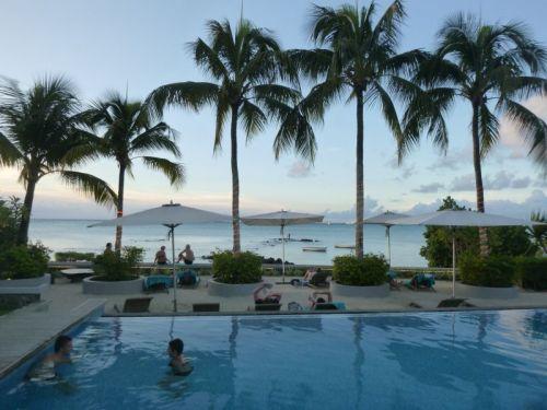 Uma das melhores piscinas da minha vida no Montchosy Beach Ressort