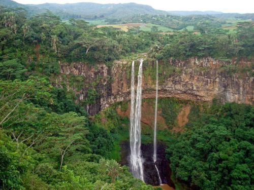 Chamarel Falls, mais de 100 metros de queda
