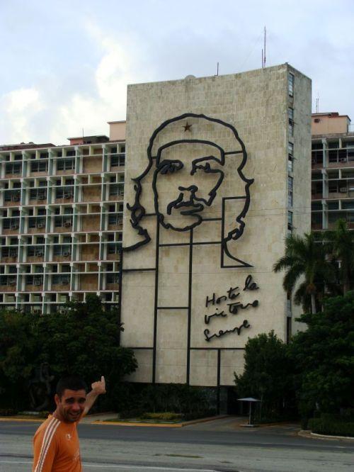 Gigantesco painel de Che Guevara
