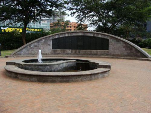 Memorial Graden hoje é tomado pelo silêncio e paz