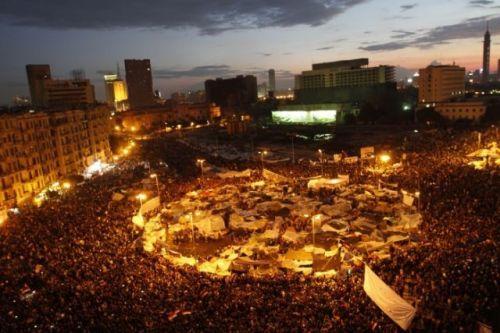 Acampados na praça Tahrir