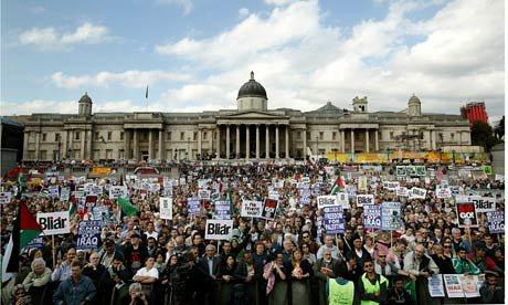 Dezenas de manifestações desde a inauguração