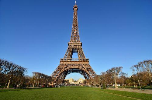 Torre Eiffel sempre um alvo potencial