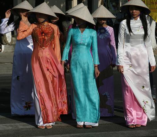Tradicionais roupas locais