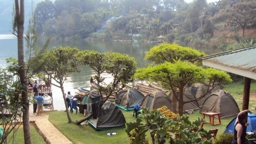 Camping tradicional dos overlands (sem cama)